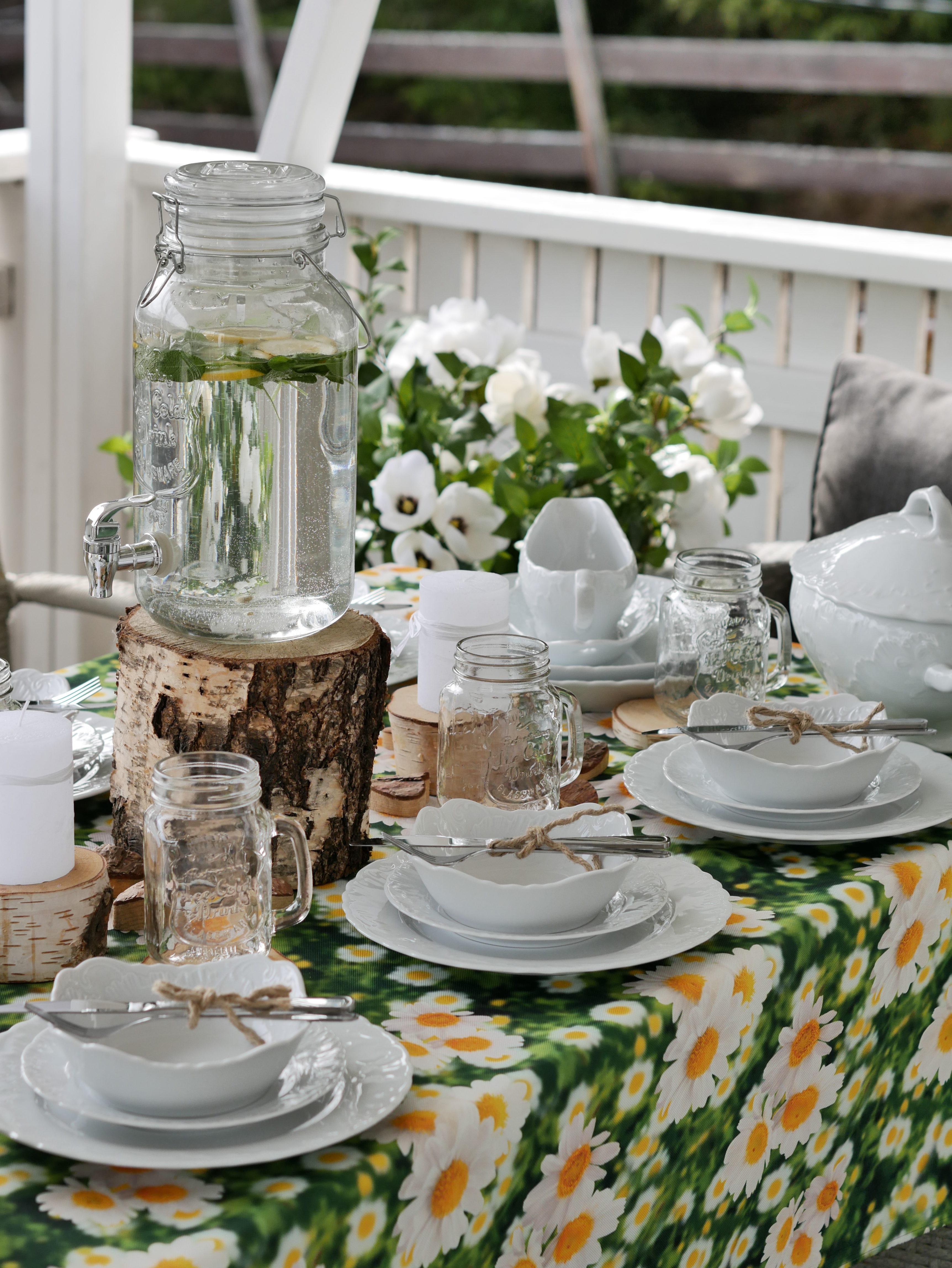 684d35bd Rococo kaffe-og middagsservise til 12 pers. 85 deler – Perler av Salong
